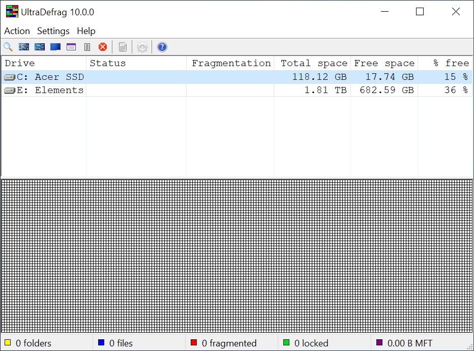 For each disk the program displays the drive letter, the label (if it exists), the disk processing status, the fragmentation level, the total capacity and the amount of free space available on the disk.
